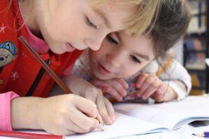 ЦеСИС призывает поддержать акцию «Собери ребёнка в школу»